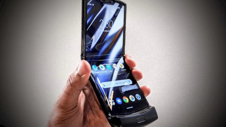 Motorola Razr skadas efter att ha veckats 27 000 gånger 1
