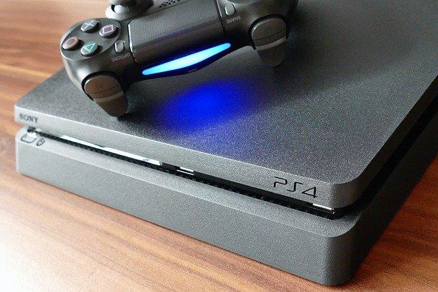 Couch Gaming trực tuyến Ps4