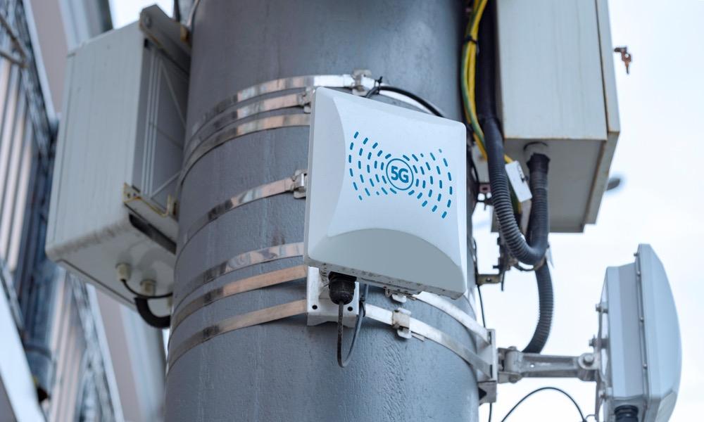 Các nhà mạng không dây của Anh đang yêu cầu các nhà lý luận âm mưu ngừng đốt tòa tháp 5G của họ 1