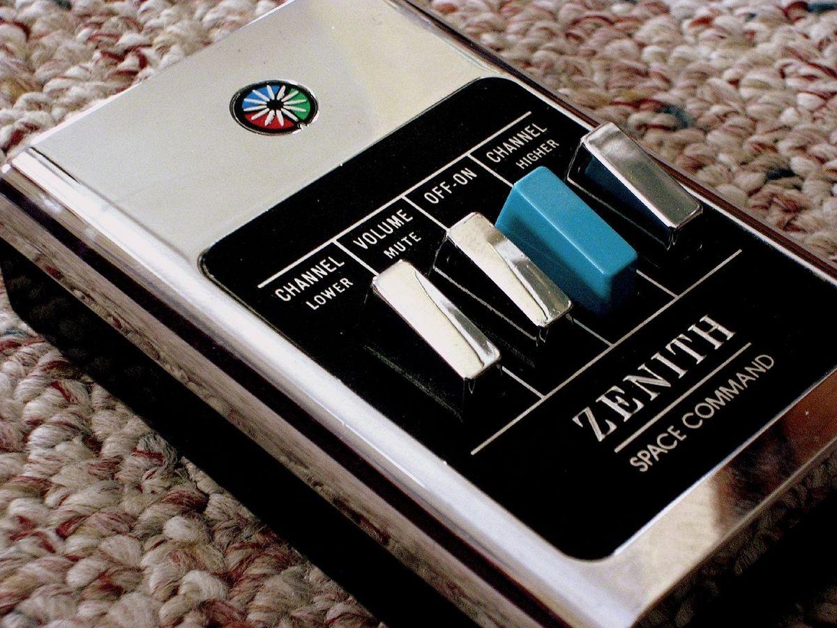 Cách điều khiển từ xa đã phát triển: từ Lazy Bones đến Vocal Control 1