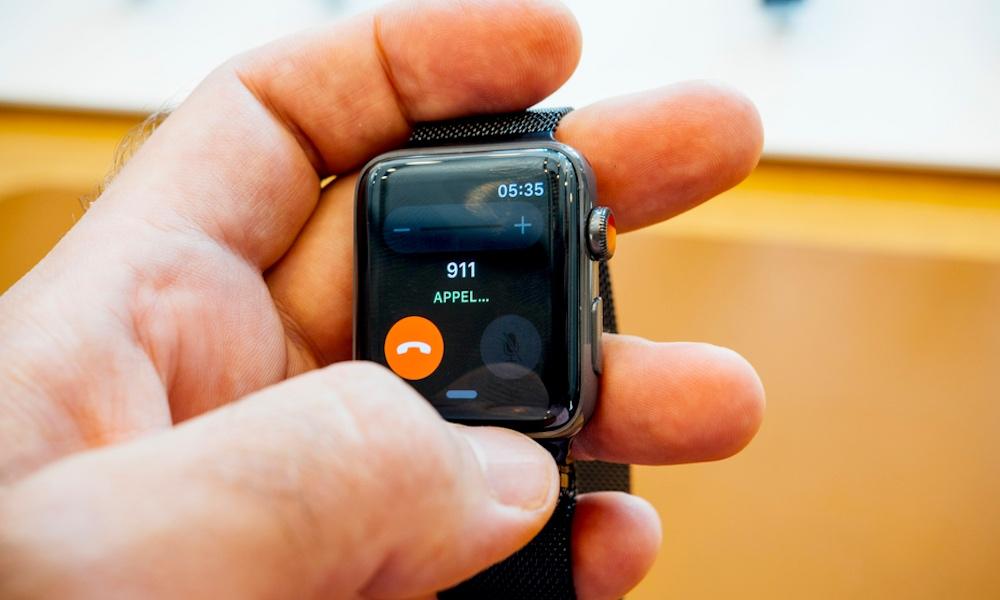 Người đàn ông AZ gục xuống, tỉnh dậy để trả lời đầu tiên nhờ Apple Watch 1