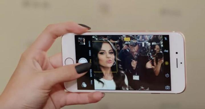 Image selfies s teraz priradeným patentovým vyobrazením pre iPhone Apple