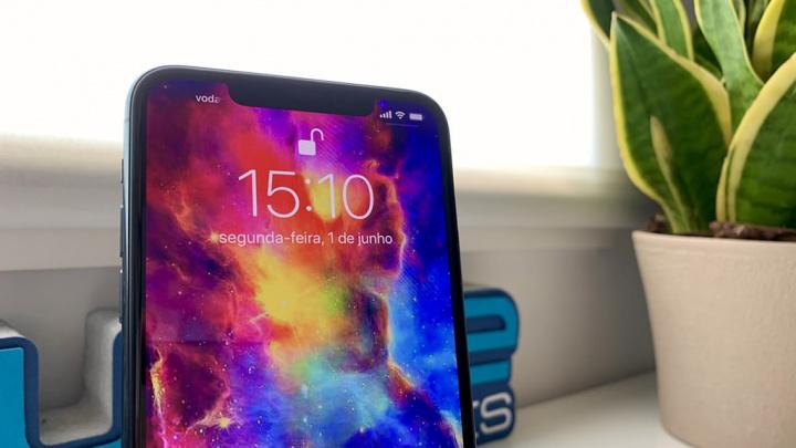 IPhone 11 Pro Max hình ảnh minh họa màn hình MicroLED