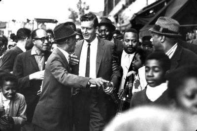 John Lindsay, thị trưởng New York, người đã dừng các cuộc biểu tình ở Harlem vì vụ giết Martin Luther King 4