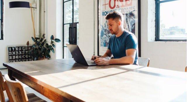 Học các khóa học trực tuyến với các lớp học ảo Peer School 5