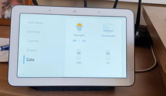 [Update: Polish too] Inteligentné obrazovky podporované asistentom môžu teraz hovoriť po brazílsky 1