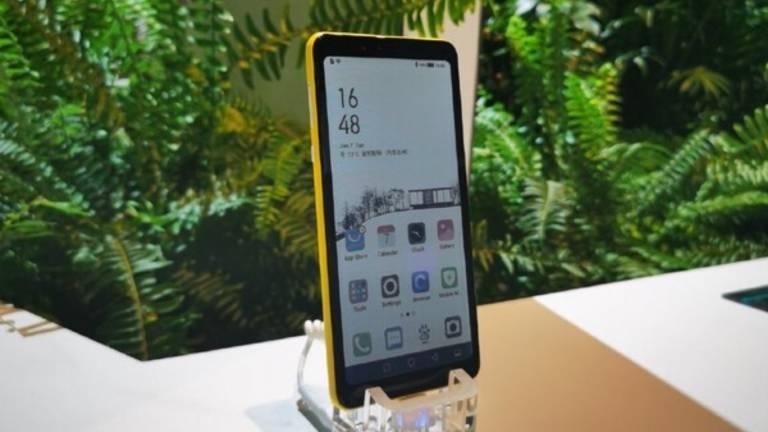 Hisense, vid CES 2020 smarttelefonen med färg e-bläck display 1