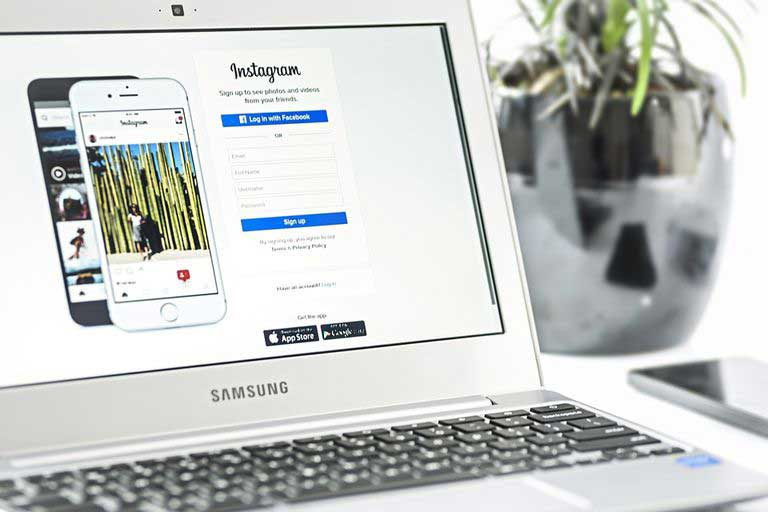 Ako odovzdávať fotografie Instagram Z počítača alebo notebooku 1