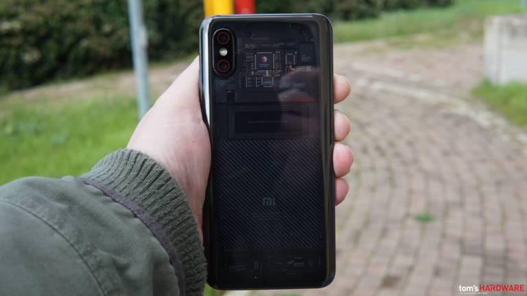Xiaomi Mi 8 Pre hodnotenie: malý dizajnový šperk, hanba za cenu 1