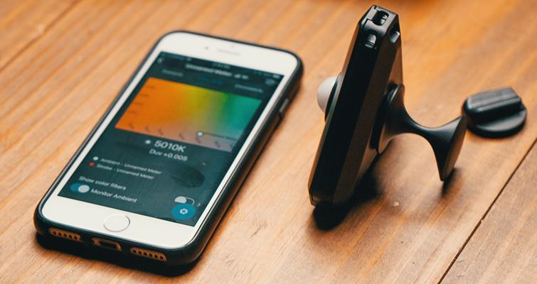 Revisão: Os Illuminati - Um medidor de luz mãos-livres - Medidor e telefone