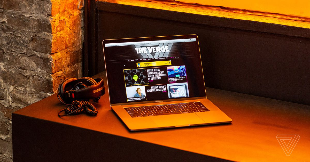 A venda de um dia da Best Buy chega a US $1, 500 do MacBook Pro de 15 polegadas