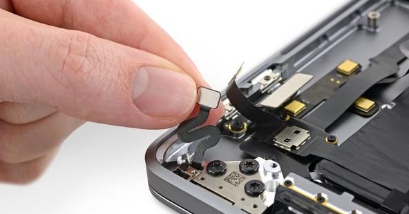 """AppleO MacBook Pro de 16 polegadas possui um novo e misterioso """"sensor de ângulo de tampa"""""""