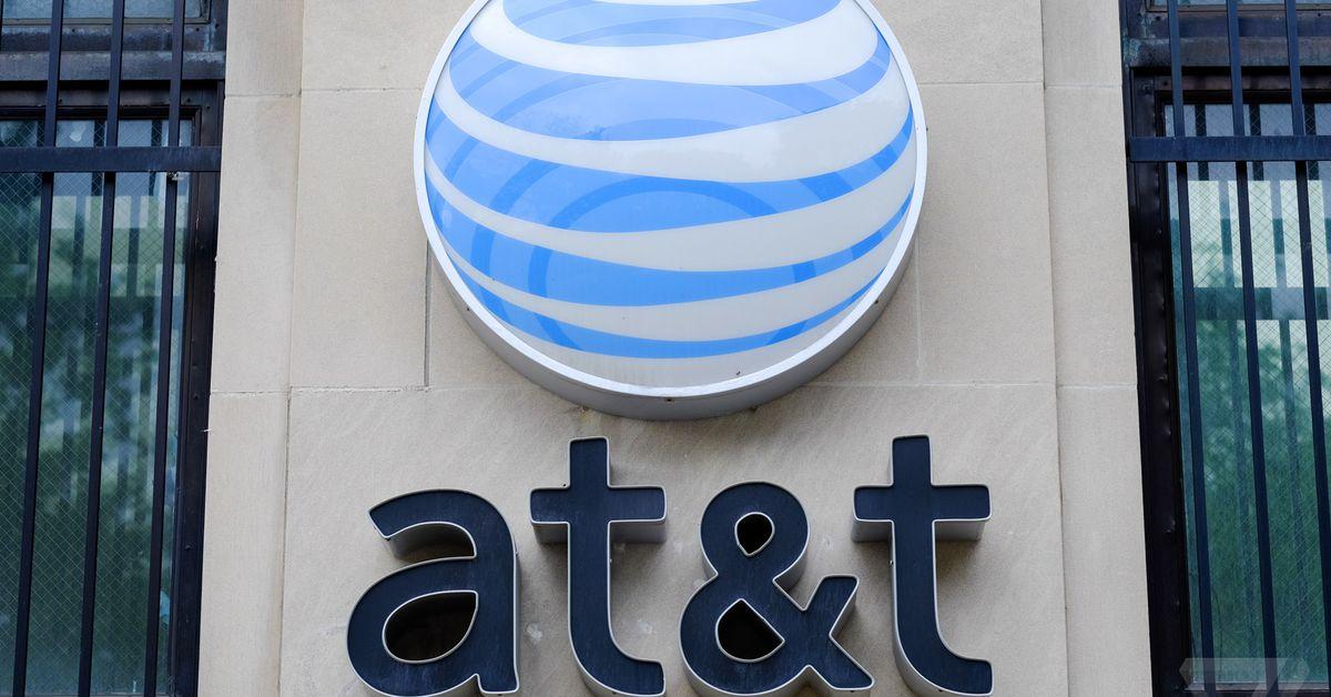 Hacker pagou milhares de dólares aos funcionários da AT&T para desbloquear milhões de telefones, afirma o DOJ