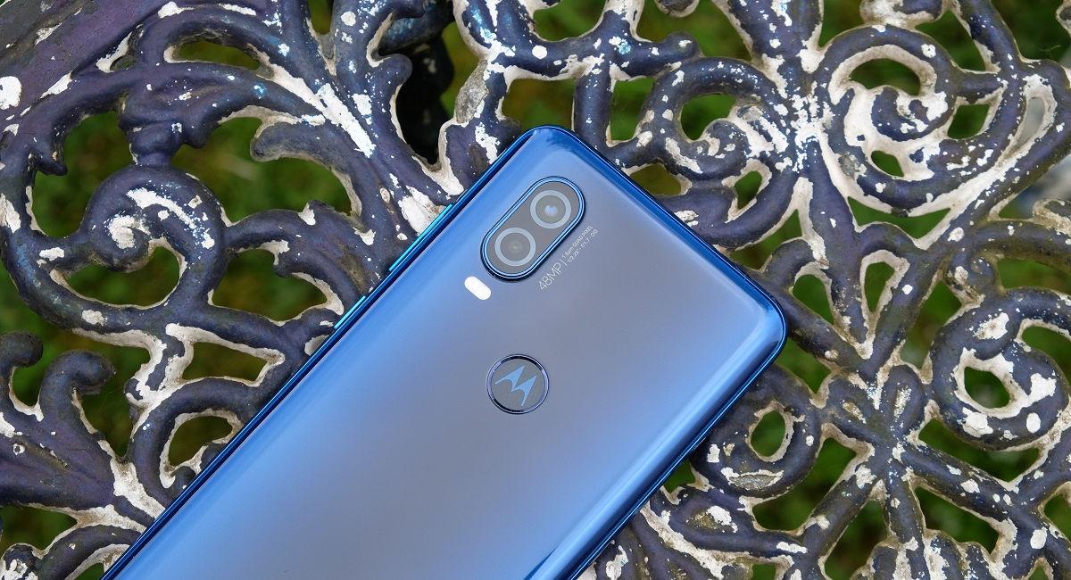 Motorola One Hyper Cameras