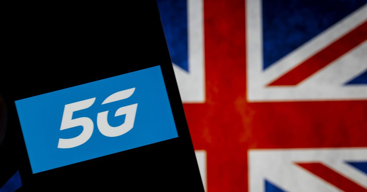 Operadoras de telefonia móvel do Reino Unido pedem educadamente que parem de queimar torres 5G