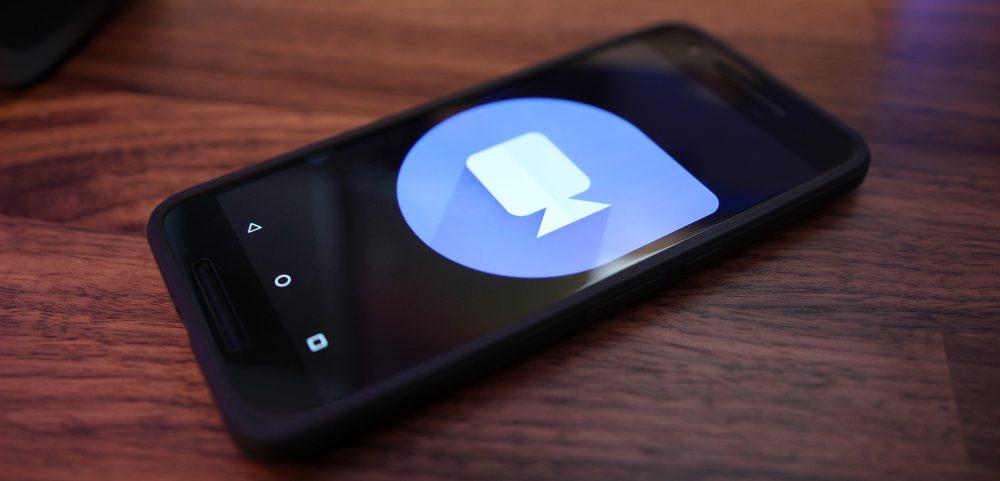 O Google Duo adiciona chamadas de áudio, enquanto o Allo permite o compartilhamento de arquivos em bate-papos em grupo, ampla distribuição em breve 1